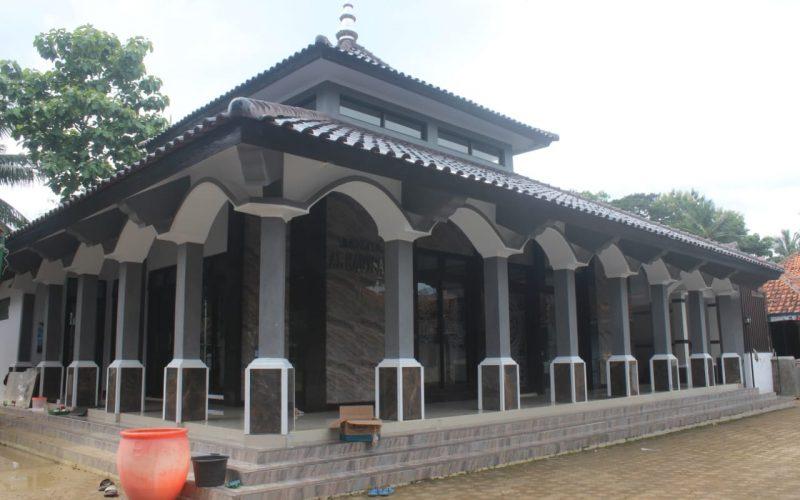 Warga Dusun Pabuaran Desa Galaherang Gotong Royong Bangun Menara Mushola Al-Kautsar