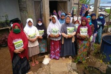ACT Kuningan Bantu Lansia dan Anak Yatim di Desa Darma