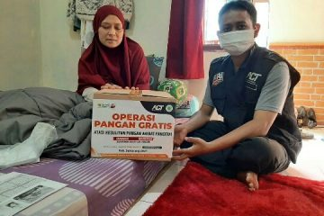 ACT Cabang Kuningan dan ACT Kabupaten Semarang Bantu Desy Penderita Kanker